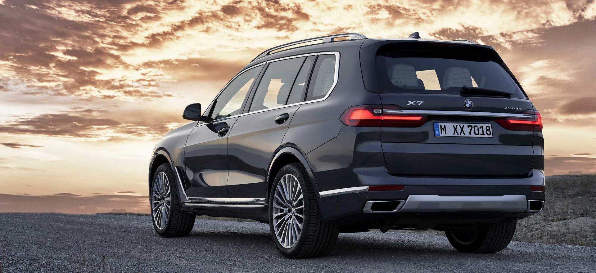 BMW создала предельно мощные модели кроссоверов X5 и X7