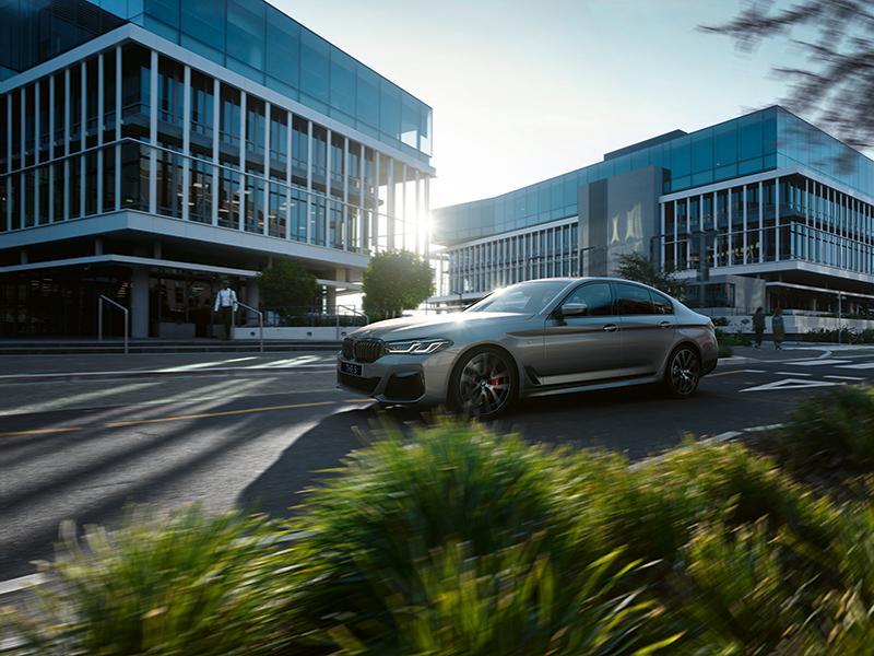 Новые BMW 5 серии и BMW 6 серии GT уже доступны для предзаказа
